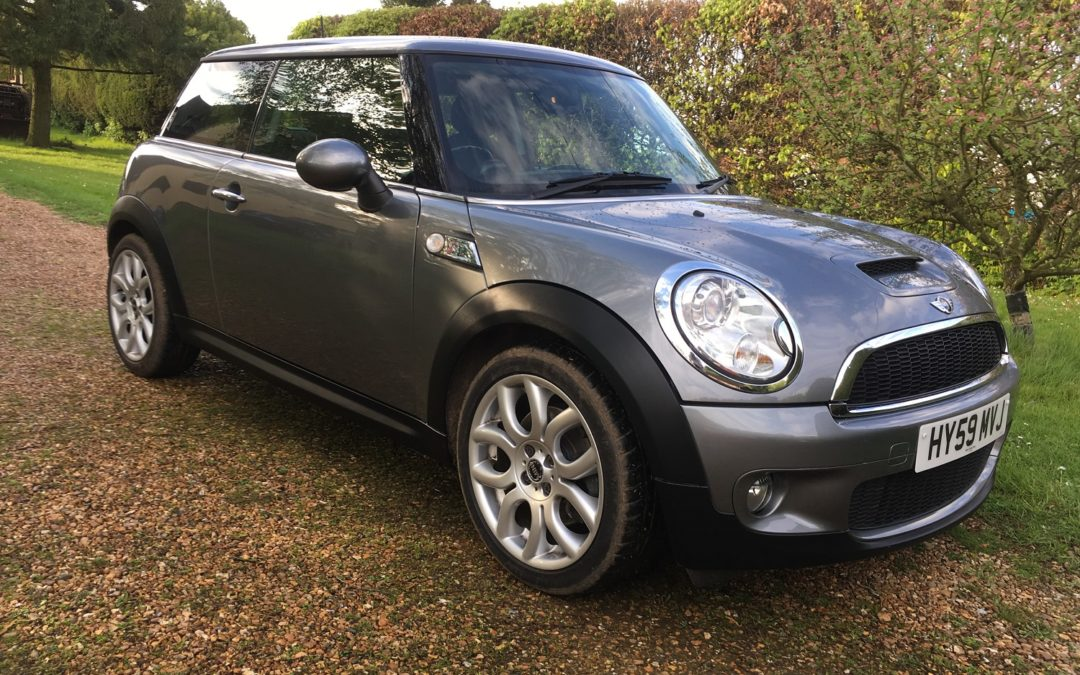Mini 1.6 Cooper S 2009 (59) 64900 miles FSH 6 speed half leather metallic dark grey £4595