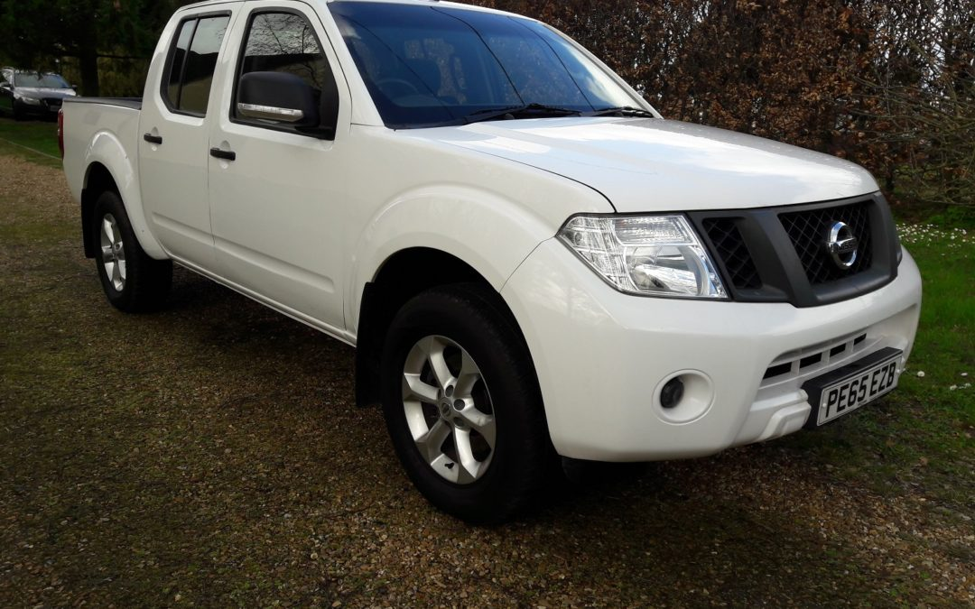 Nissan Navara 2.5dCi Visia 2015 (65) 4×4 Double cab only 59000 miles 1 owner FSH £9795+VAT